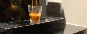 Pulling a espresso in a french glass
