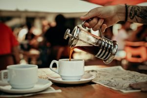 How to make coffee with a French press. 5 steps.